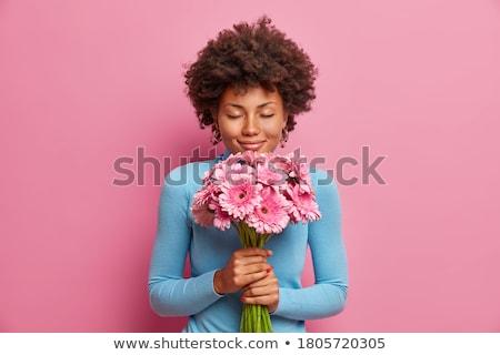 Foto stock: Mujer · hermosa · flores · ramo · grande · aumentó