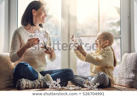 moeder · dochter · permanente · buiten · landschap · sneeuw - stockfoto © photography33