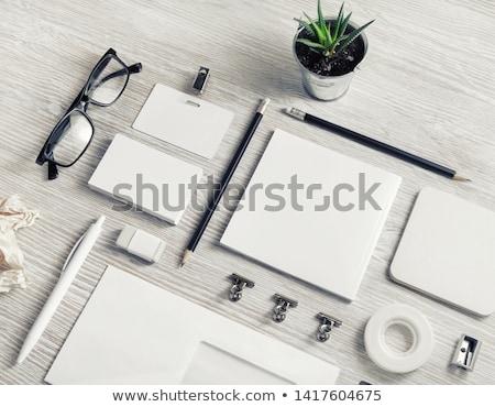 Kağıtları ahşap masa arka plan stres çöp Stok fotoğraf © inxti