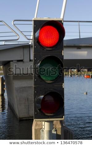 Jel jelzőlámpa híd égbolt autó hangszóró Stock fotó © meinzahn