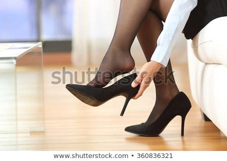 Stock fotó: Nő · elvesz · el · magas · sarok · cipő · otthon