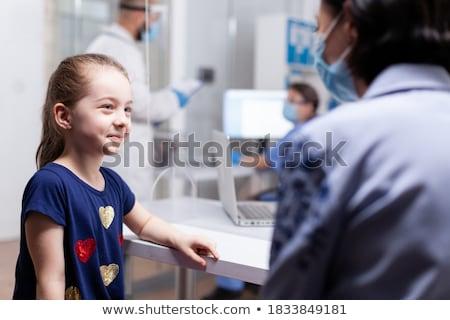 orvos · megvizsgál · gyermek · idős · női · kicsi - stock fotó © vystek