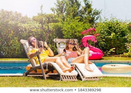 dois · feliz · meninas · bebidas · verão · festa - foto stock © Yatsenko