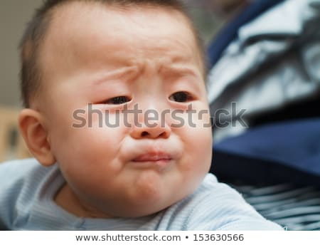 pleurer · parents · réconfortant · fille · asian - photo stock © monkey_business