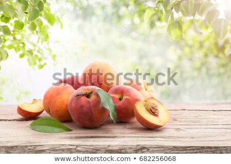 doce · pêssego · folhas · folha · fruto · vermelho - foto stock © masha
