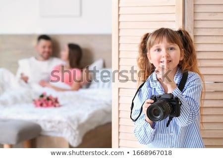 família · foto · criança · pais · fotógrafo - foto stock © robuart