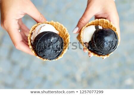 Stock fotó: Női · kéz · faszén · fagylalt · tart · kettő