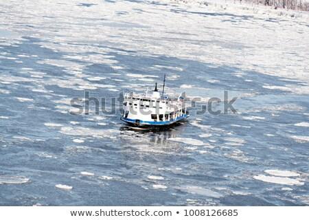 Feribot haçlar dondurulmuş nehir Quebec şehir Stok fotoğraf © Lopolo