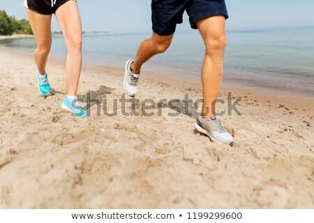 アスレチック · 若い男 · を実行して · ビーチ · カーディオ · トレーニング - ストックフォト © dolgachov
