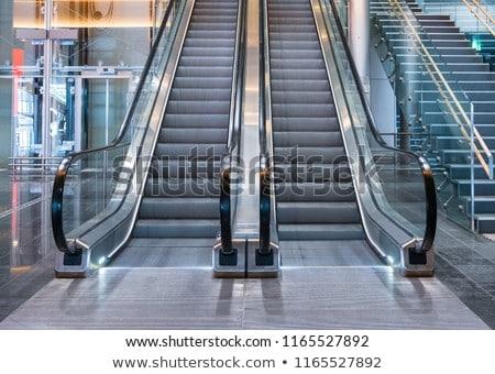 Escalator Londres 2013 vide london bridge gare Photo stock © Artlover