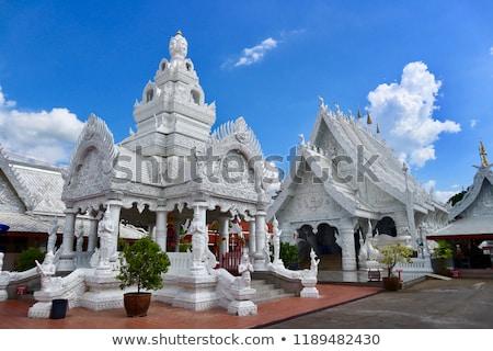 Beyaz budist tapınak güzel çatı Bina Stok fotoğraf © smithore