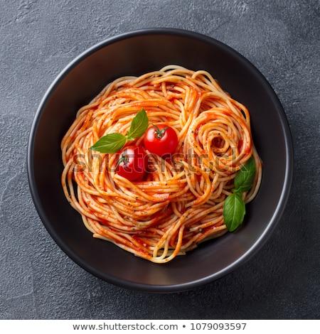 placa · frescos · espaguetis · tomates · pesto · grasa - foto stock © ozgur