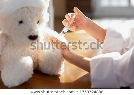 Médecin patient bourré ours bureau femme Photo stock © wavebreak_media
