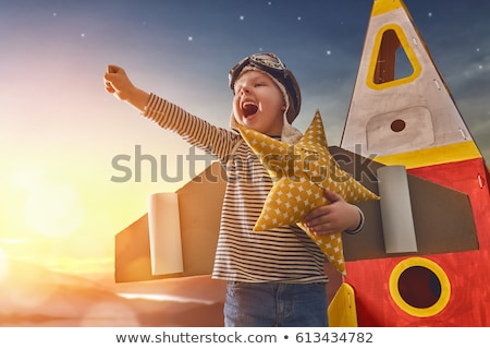 álom · gondolkodik · fiú · kéz · arc · boldog - stock fotó © zurijeta