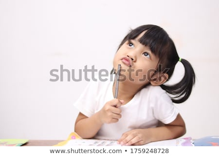 kíváncsi · kicsi · kislány · felfelé · néz · ül · ágy - stock fotó © feedough