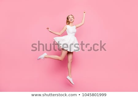 Stok fotoğraf: Kadın · dansçı · atlama · genç · modern · tarzda · beyaz