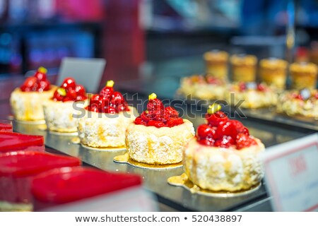 Chocolade bessen banketbakkerij winkel productie koken Stockfoto © dolgachov