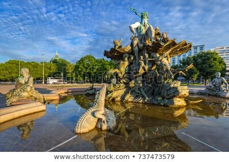 噴水 · アレクサンダー広場 · 広場 · ベルリン · ドイツ · ヌード - ストックフォト © manfredxy