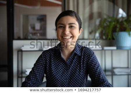 Mulher jovem olhando animado caucasiano mulher Foto stock © bmonteny