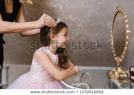 Foto stock: Little · girl · princesa · olho · feliz · criança · cabelo