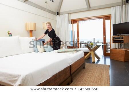 Retrato hotel convidado quarto trabalhando serviço Foto stock © monkey_business