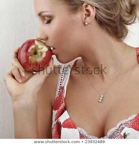 csábítás · száj · eprek · kéz · gyümölcs · háttér - stock fotó © geribody