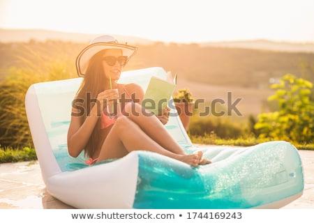 Ninas cócteles aire colchón dos Foto stock © deandrobot
