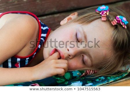 ストックフォト: 少女 · 指 · 肖像 · 孤立した