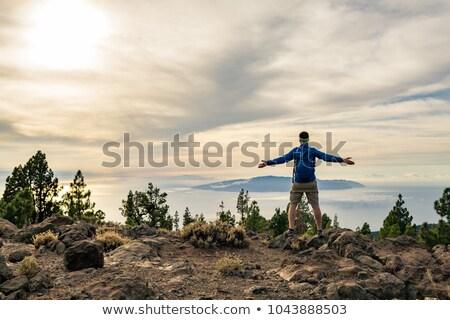Foto d'archivio: Uomo · tramonto · montagna · braccia · percorso