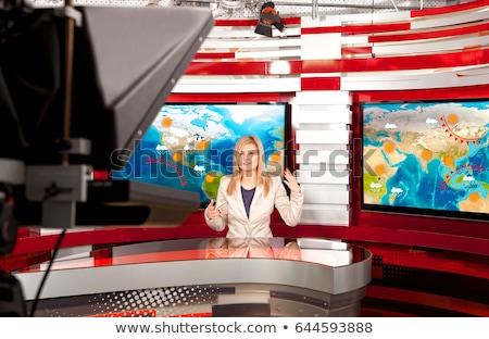 weer · verslaggever · vrouwelijke · presenteren · prognose · meisje - stockfoto © colematt