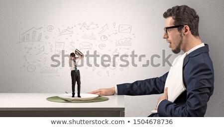 nagy · főnök · eszik · kicsi · üzletember · kés - stock fotó © ra2studio