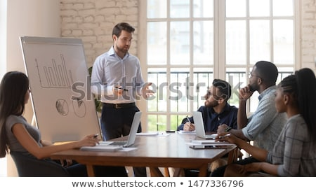 Mann Analyse Bericht Frau Marketing Stock foto © robuart