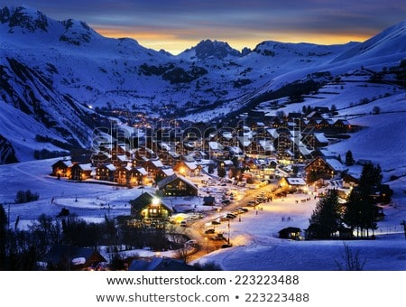 Ski Resort nuit vue vallée Photo stock © macsim