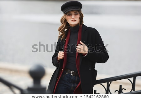 черный · пальто · моде · портрет · девушки - Сток-фото © NeonShot