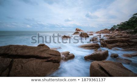 vertical · vue · dramatique · eau · mer · Rock - photo stock © nejron