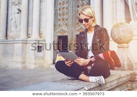 человек смотрят Новости цифровой таблетка Сток-фото © AndreyPopov