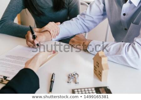 Persona clientes signo contrato primer plano cliente Foto stock © AndreyPopov