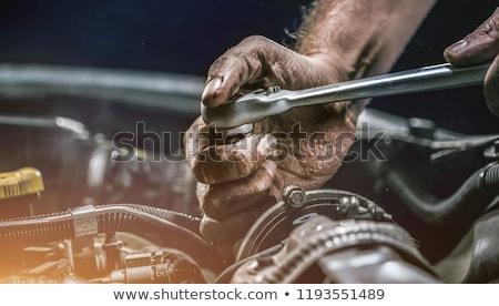 monteur · handen · vod · reparatie · garage · dienst - stockfoto © papa1266