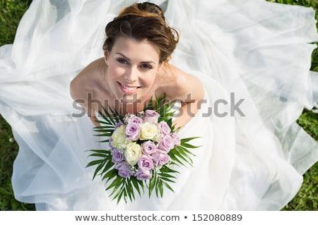 novia · rosas · primer · plano · novias · ramo · rojo - foto stock © KMWPhotography