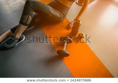 súlyzó · férfi · hátsó · nézet · hát · izmok · feketefehér - stock fotó © jasminko
