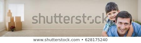 Jovem caucasiano filho pai dentro quarto caixas Foto stock © feverpitch