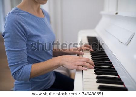Femenino músico jugando piano festival de música Foto stock © wavebreak_media