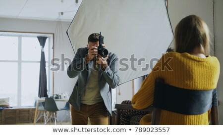 jonge · model · fotograaf · jonge · vrouw · enthousiast · mode - stockfoto © Giulio_Fornasar