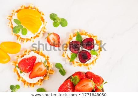 Tradicional caseiro macio fresco frutas chantilly Foto stock © YuliyaGontar
