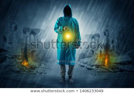 Stockfoto: Man · lantaarn · catastrofe · scène · vernietigd