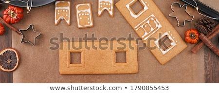 közelkép · nő · készít · mézeskalács · ház · otthoni · főzés - stock fotó © dolgachov