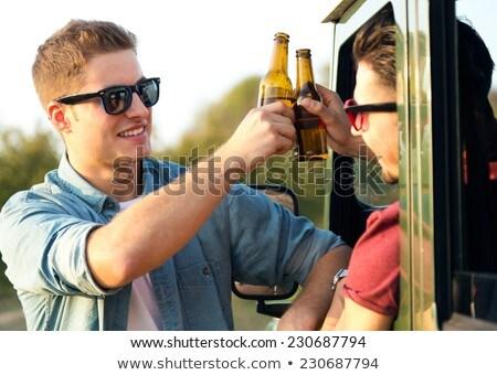 Portret twee vrienden flessen bier Stockfoto © nenetus