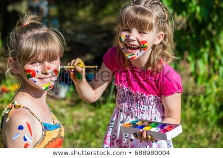 gelukkig · kinderen · spelen · verf · meisje · handen · kinderen - stockfoto © godfer