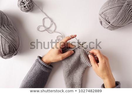 Main tricoté gris écharpe bois bois Photo stock © marylooo