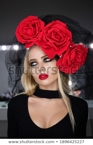 ホット · 女性 · 着用 · 赤 · 水玉模様 · ドレス - ストックフォト © acidgrey
